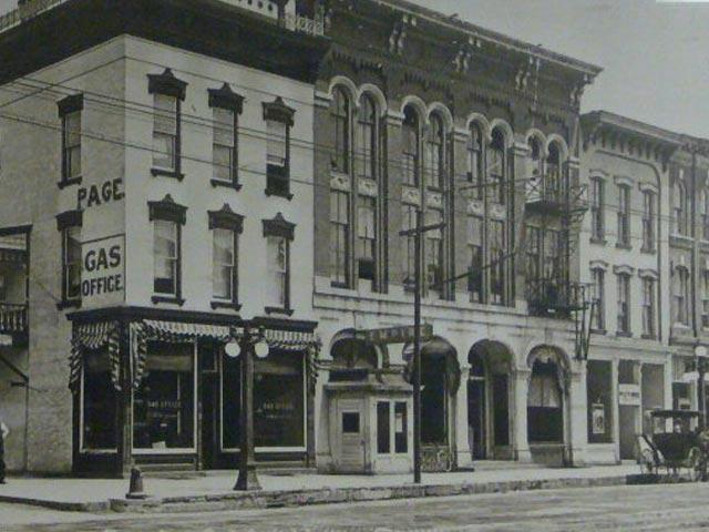 Schroeder-DeGraw building street corner